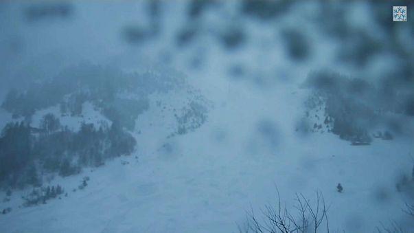 VIDEO - Mai così alta l'allerta valanghe in Svizzera in questo millennio