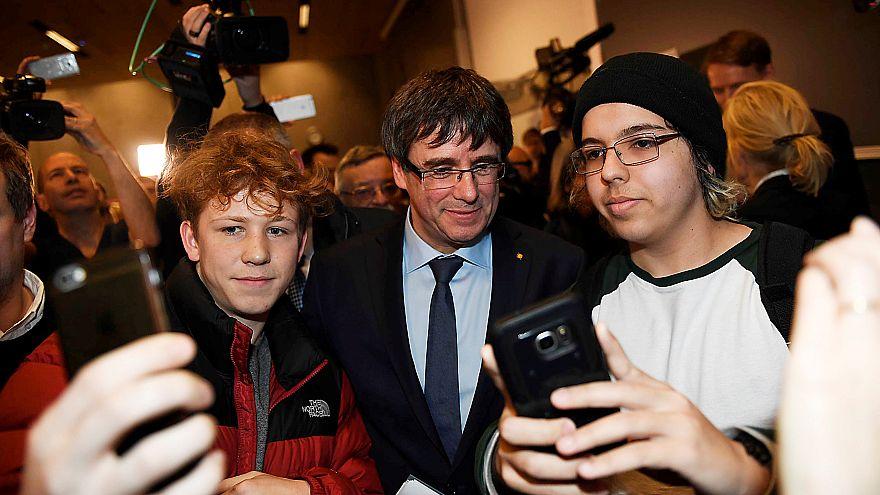 Malgré son exil, Carles Puigdemont va former son gouvernement