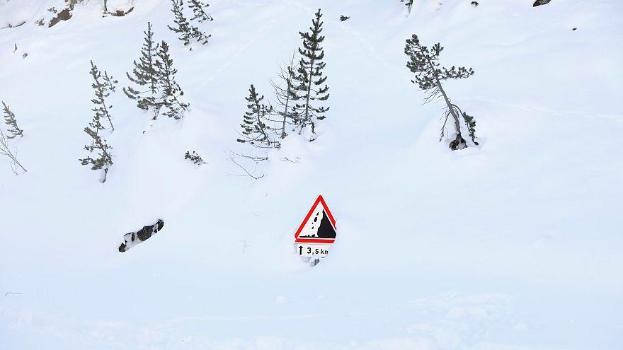 Risques d'avalanches et de crues en Europe