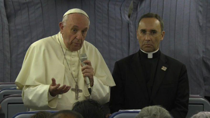 El papa pide perdón a las víctimas de abusos sexuales por sus palabras sobre Barros