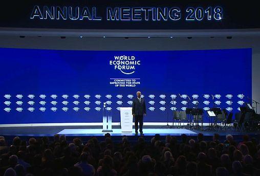 Davos Zirvesi yoğun kar altında başladı