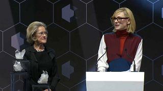 Davos, al via il World economic forum con i premi per gli artisti esemplari