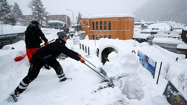 Heavy snow causes chaos in Europe's top ski resorts