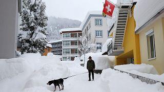 Risque d'avalanches et de chutes de neige au niveau maximal en Europe