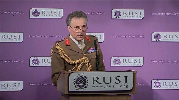 """بريطانيا تحذر من أعمال عدائية روسية """"وشيكة"""" ضد الغرب"""