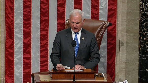 إنهاء إغلاق الحكومة الأمريكية بعد إقرار الكونغرس لموازنة الإنفاق الفيدرالي