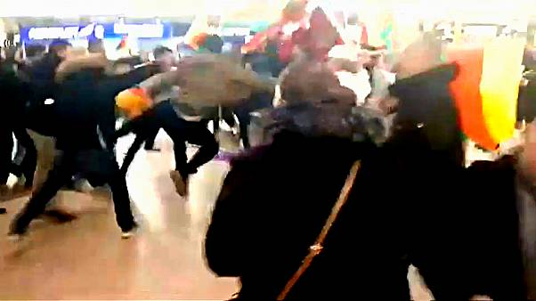 Hannover havalimanında Afrin kavgası