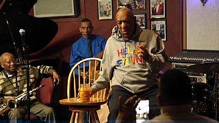 Bill Cosby vuelve a los escenarios