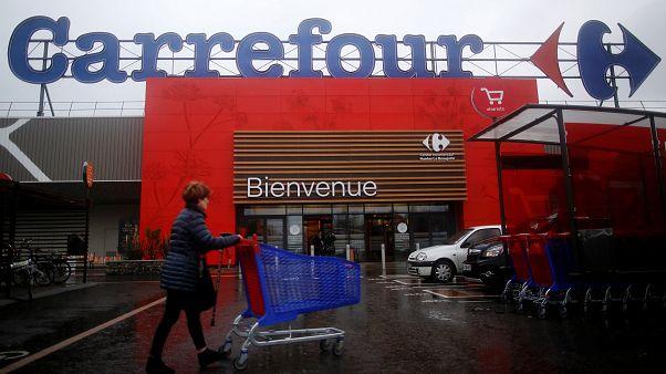 Carrefour va supprimer 2 400 postes en France