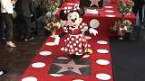Minnie conquista estrela no Passeio da Fama de Hollywood
