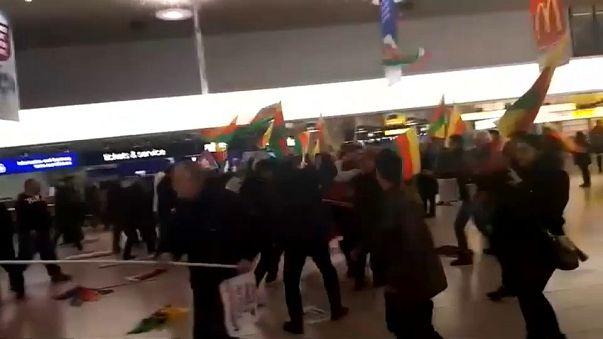 Pelea entre kurdos y turcos en el aeropuerto de Hannover