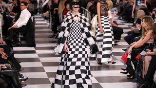 Un défilé Dior absolument magnifique.