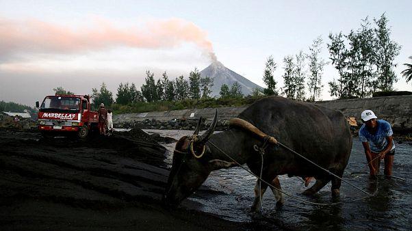 Φιλιππίνες: Νέος συναγερμός για την έκρηξη του ηφαιστείου Μαγιόν