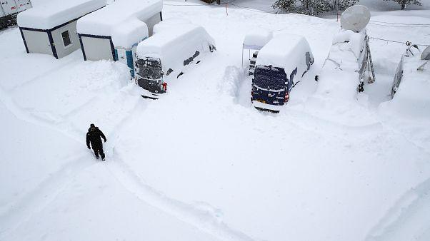 Winterdorf Davos: Eis und Schnee beim WEF in der Schweiz