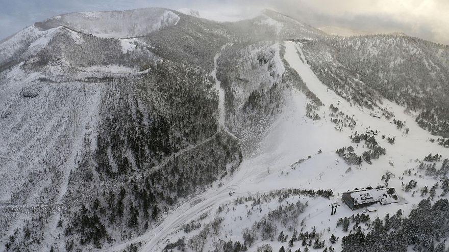 Ein Toter bei Vulkanausbruch in japanischem Skigebiet