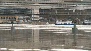 Extremes Wetter: Seine in Paris tritt über die Ufer