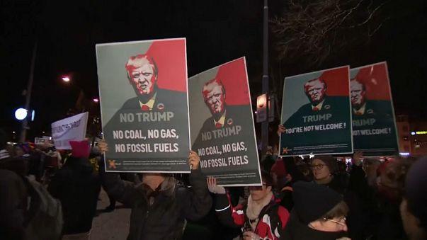 Davos, la Svizzera si mobilita contro Trump
