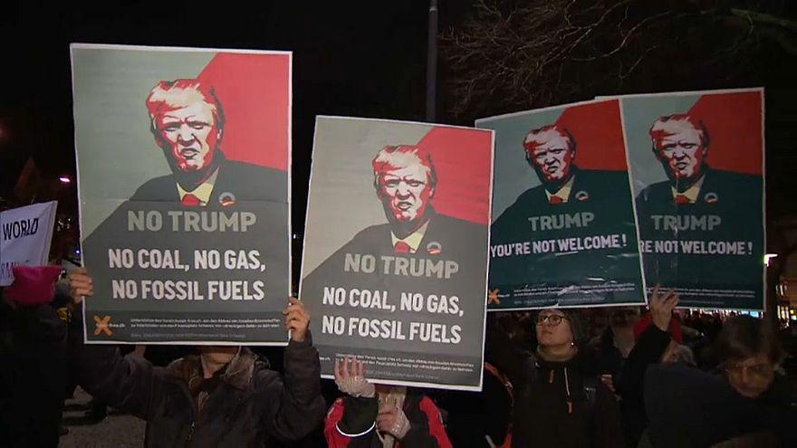 Давос встречает Трампа протестами