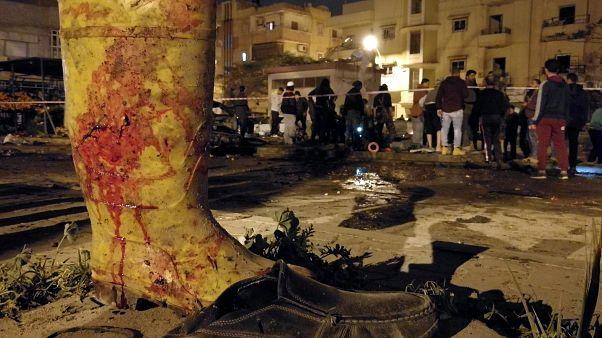 33 قتيلا وعشرات الجرحى في تفجير سيارتين ملغمتين أمام مسجدين ببنغازي