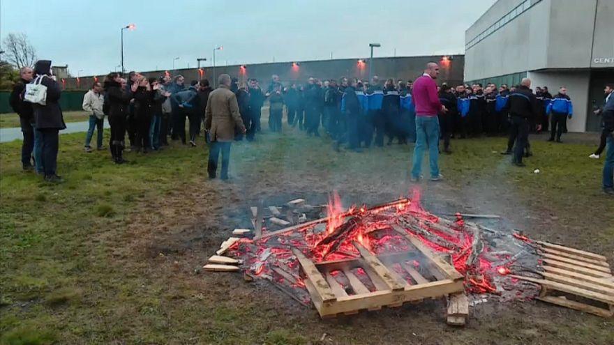 Le proteste delle guardie penitenziarie francesi