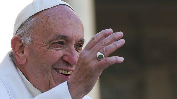 Le pape François s'en prend aux Fake News