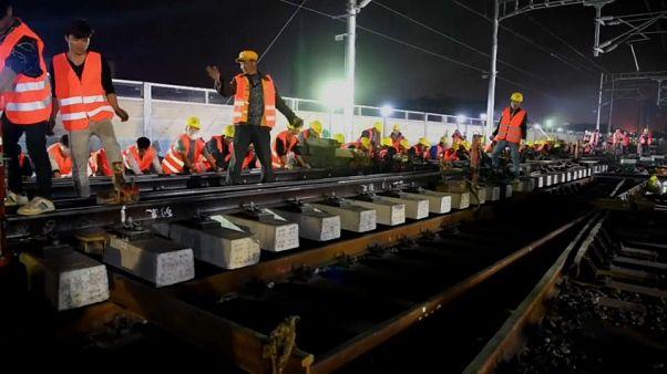 بالفيديو: بناء محطة قطارات في 9 ساعات.. من يفعلها؟