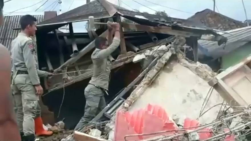 Buildings destroyed in Java earthquake