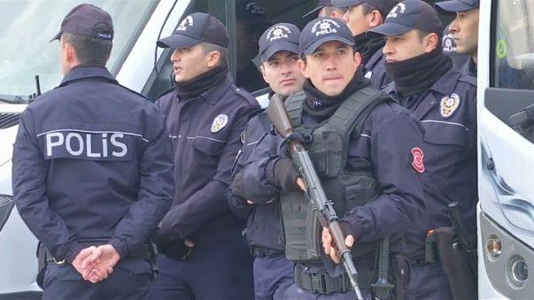 Sosyal medya paylaşımları nedeniyle en 150 kişi göz altına alındı, 11 kişi tutuklandı