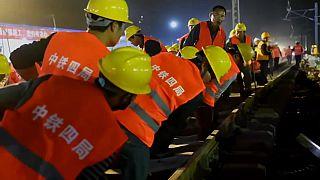Construyen una estación de tren en 9 horas en China