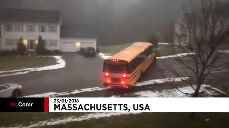 Irányíthatatlan iskolabusz Massachusetts-ben