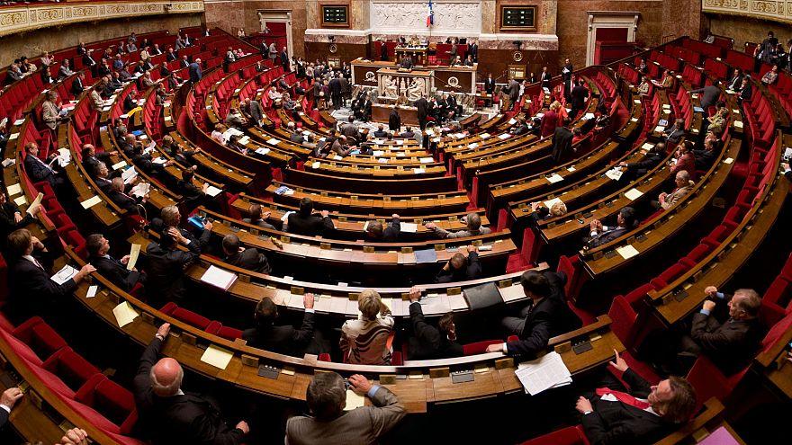 """قانون فرنسي جديد يسمح للمواطنين بالخطأ """"لأول مرة"""" دون عقاب"""