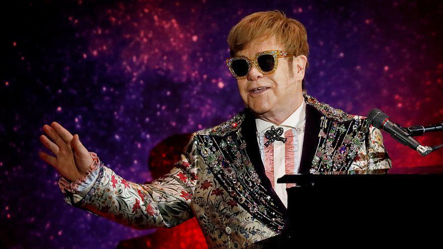 Elton John diz adeus aos palcos