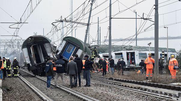 İtalya'da tren kazası: En az 3 kişi hayatını kaybetti
