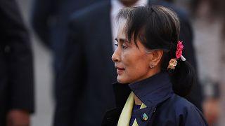 La comunità internazionale accusa Aung San Suu Kyi