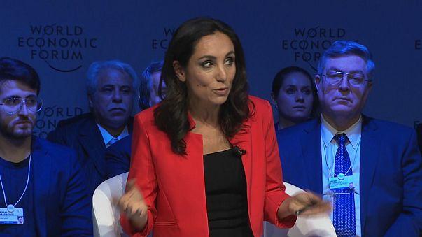 A jornalista Isabelle Kumar, da Euronews, vai mediar o debate