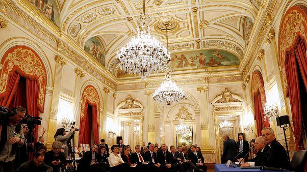 استفاده از علائم و نمادهای مذهبی در پارلمان فرانسه ممنوع شد