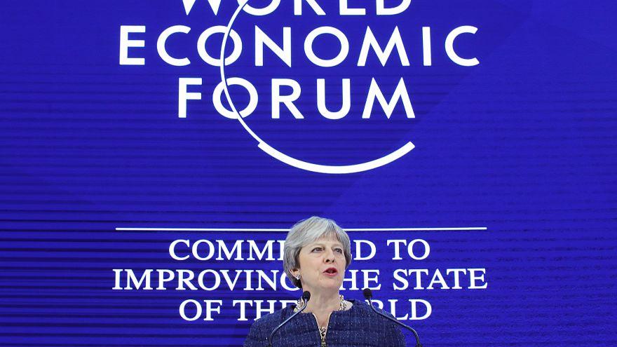 May dice que el mundo no puede avanzar en diferentes direcciones en comercio
