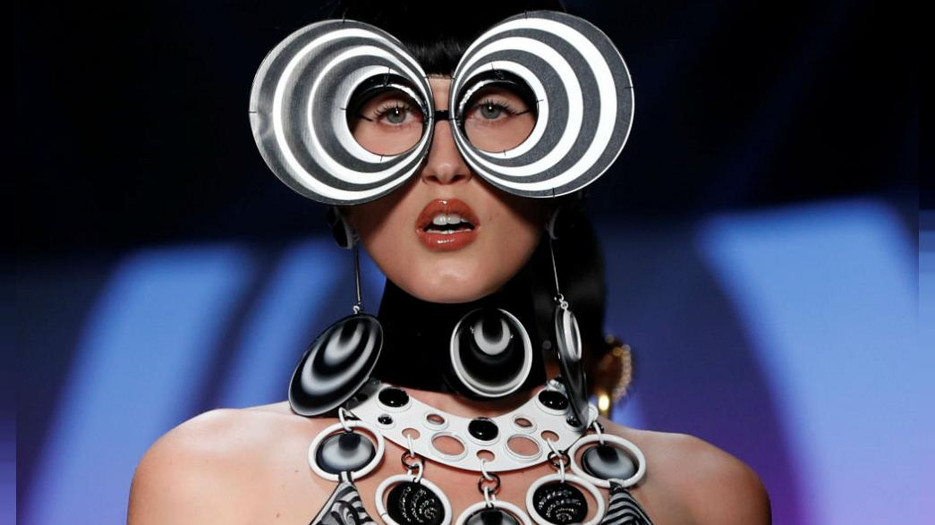 Pierre Cardint köszöntötte Gaultier