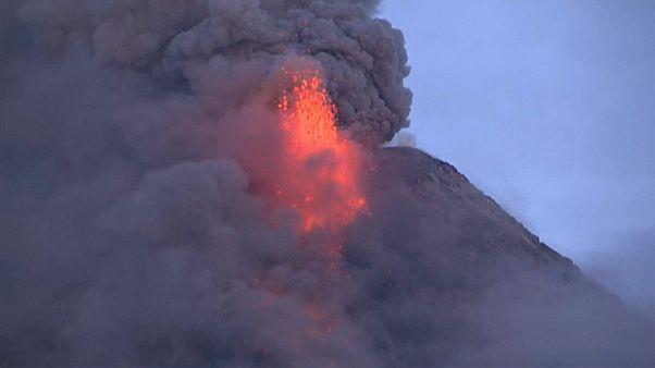 Вулкан Майон: опасен для пилотов!