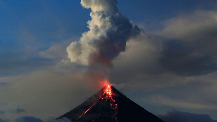 Mayon nem nyugszik