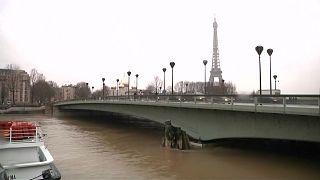 Paris hat nasse Füße