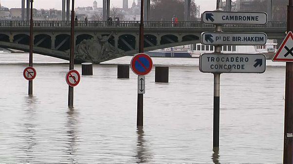 بالا آمدن آب رودخانه «مارن»؛ آب گرفتگی خیابانهای حومه پاریس
