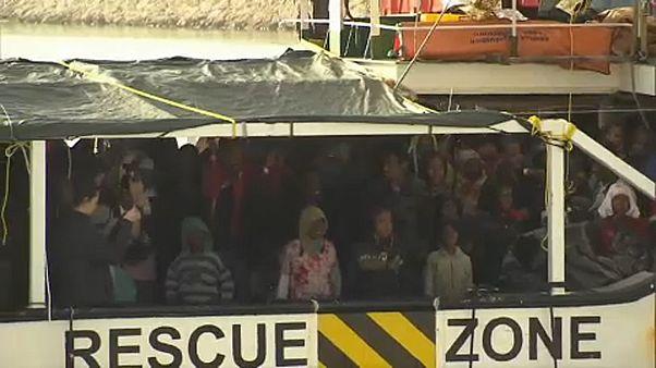 ألمانيا تطالب بتوزيع عادل لحصص اللاجئين