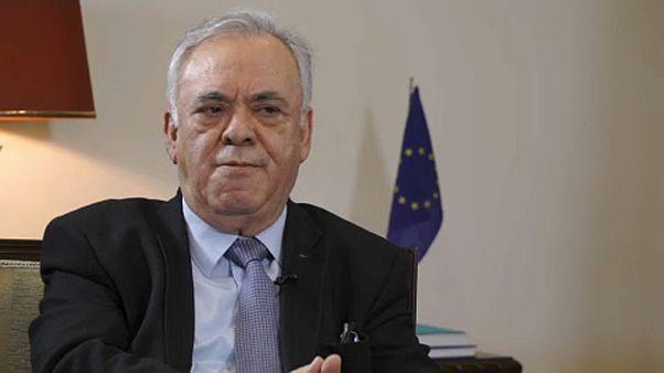 Áttörés a görög-macedón névvitában