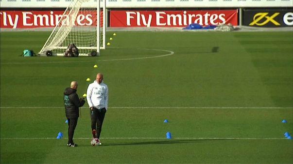 Zinédine Zidane se juega su puesto en el banquillo del Real Madrid