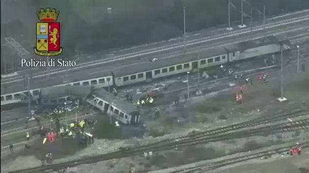 Légifelvételek az olaszországi vonatbalesetről