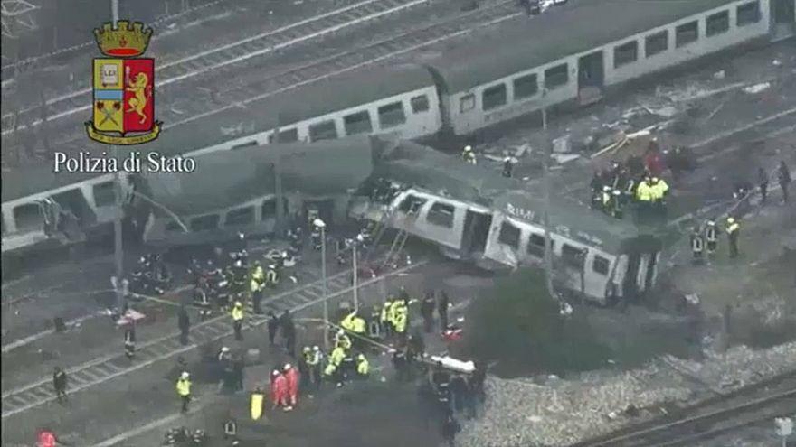 Более 100 человек пострадали в аварии