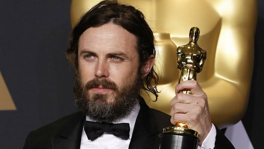 Casey Affleck pulls out of presenting award at 2018 Oscars