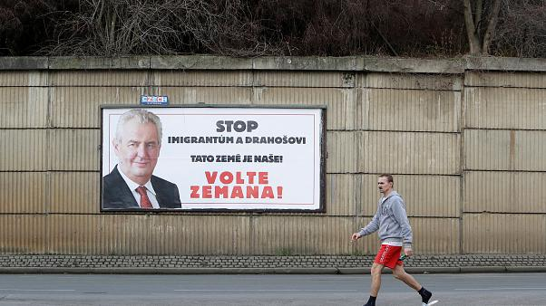 Présidentielle tchèque : un scrutin serré