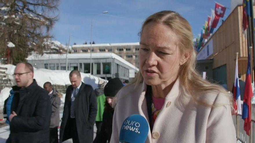 En Davos, los políticos piden más regulación para las criptomonedas.